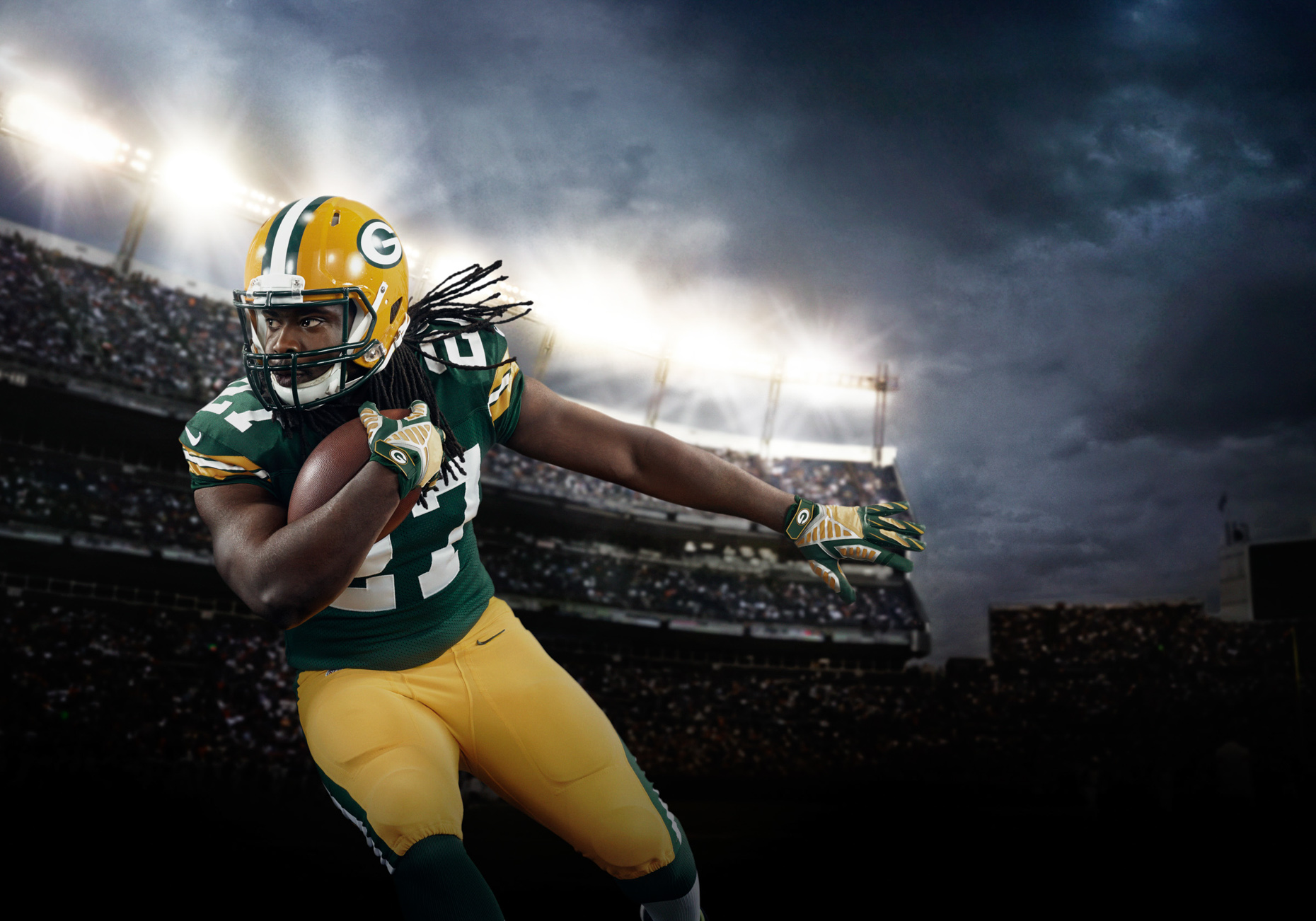 Greenbay Packer Eddie Lacy for Verizon NFL football