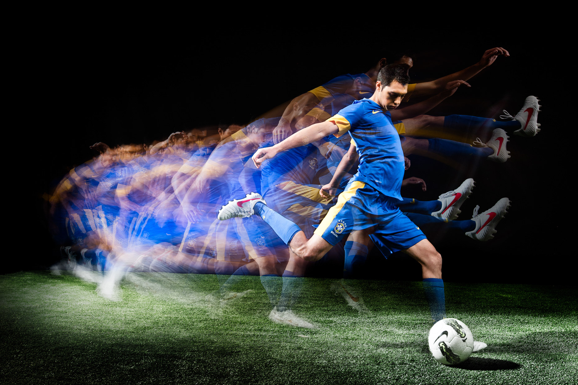 Stroboscopic effects of a soccer kick for Nike futbol