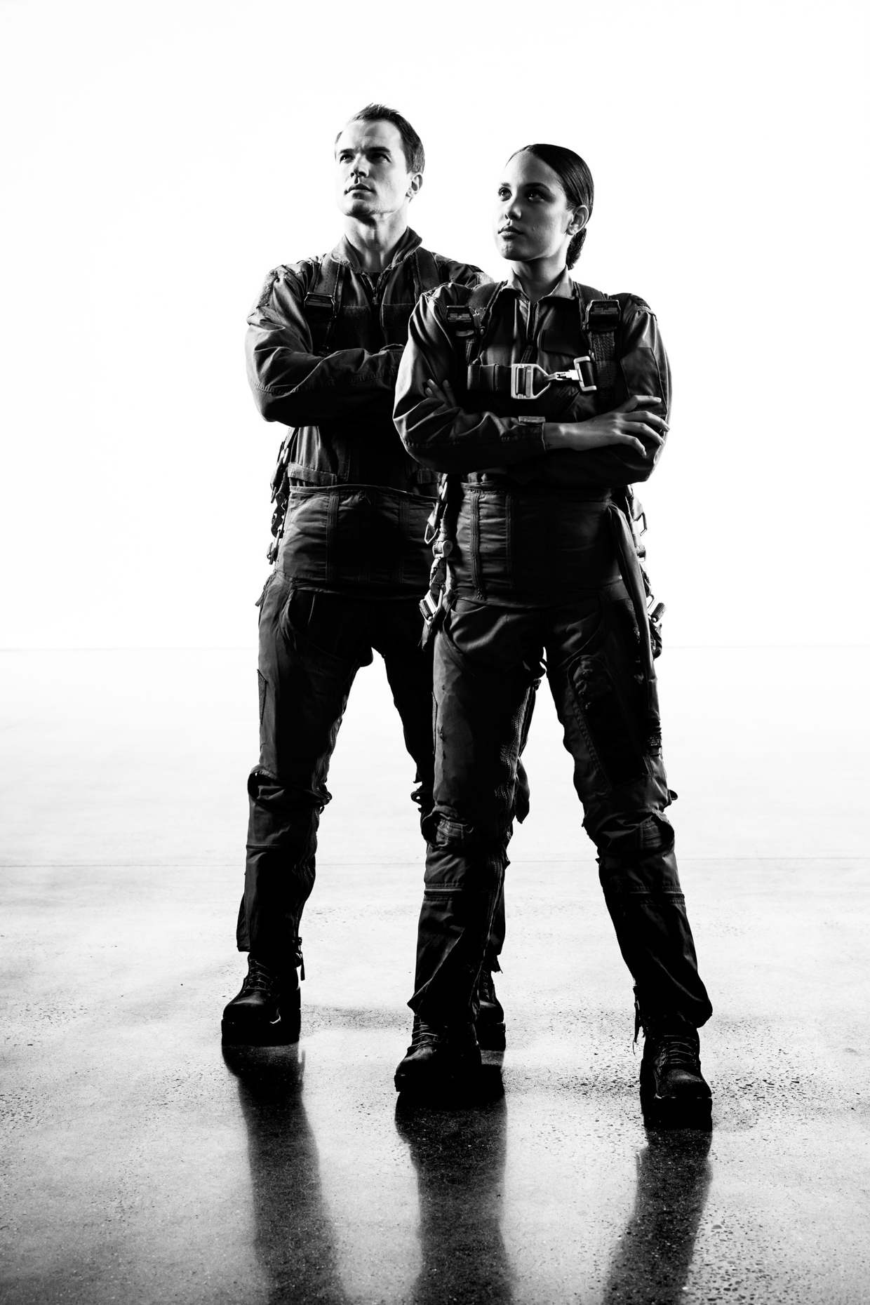 Hadasa Isolino and Chris Ryan pose for military portraits